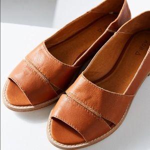 Kelsi Dagger Brooklyn Samantha Leather Flat Sandal
